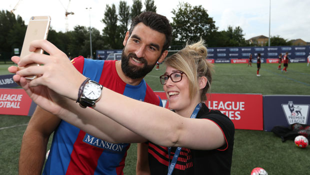 EPL Aussies: Jedinak welcomes Cabaye competition